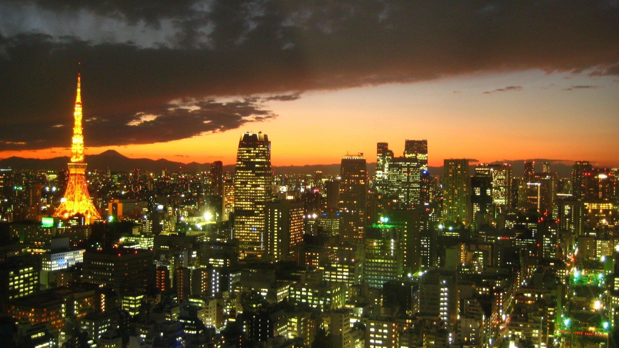 "Rooms: Say ""Hai"" To A Honeymoon In Japan"