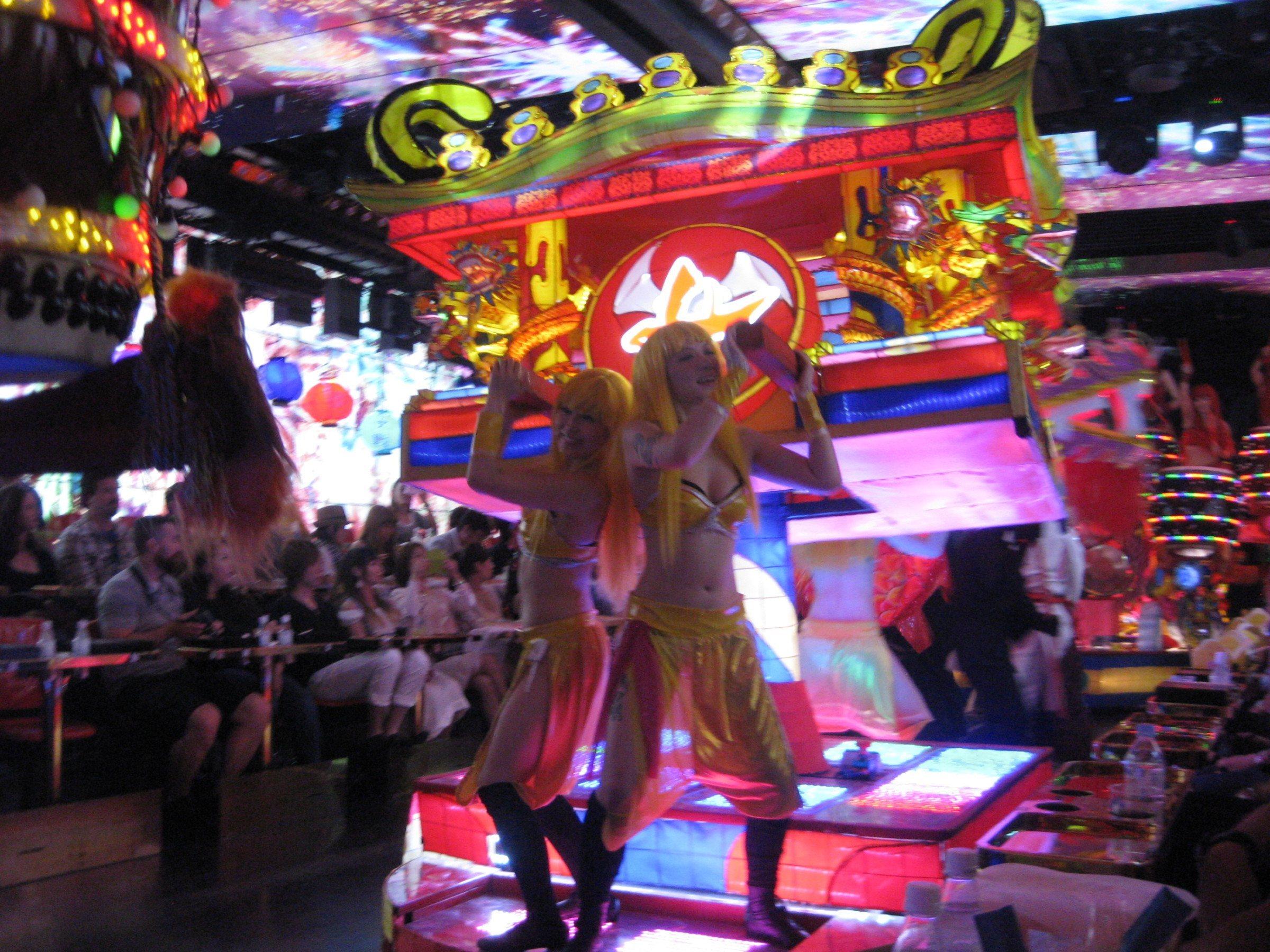 Crazy Robot Restaurant, Toyko