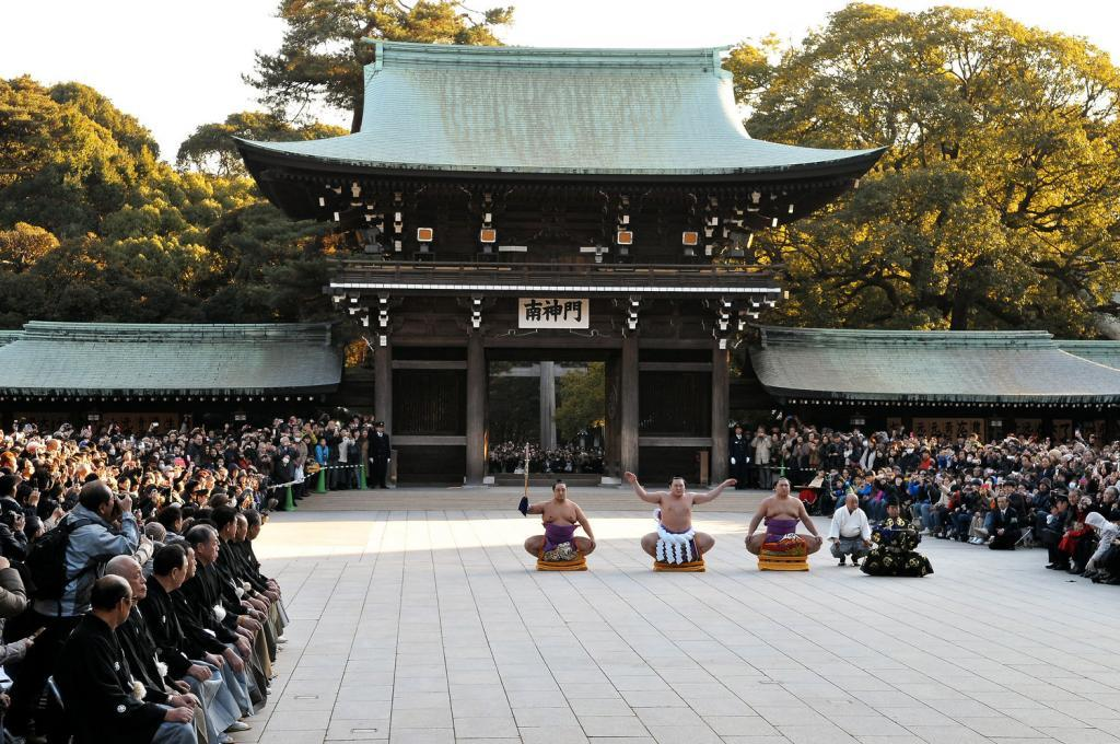 Ring-entering ceremony at Meiji Shrine in Tokyo