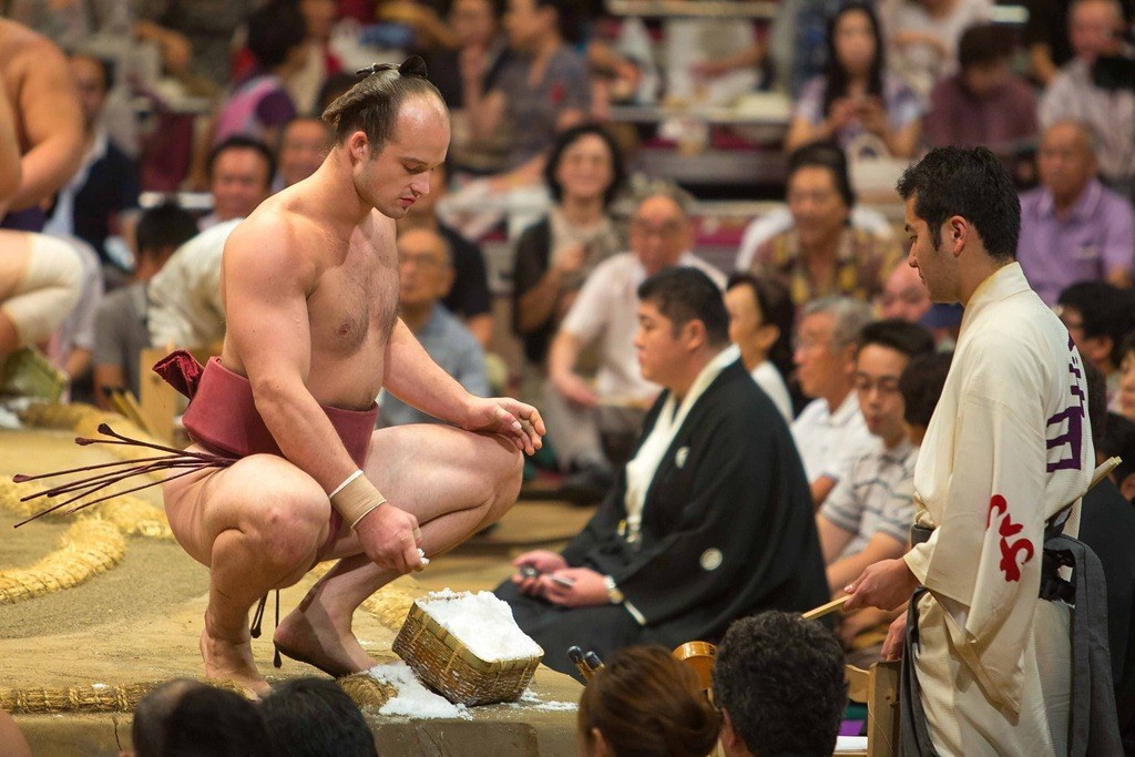 "Takanoyama Shuntaro: ""The Skinny Sumo"""