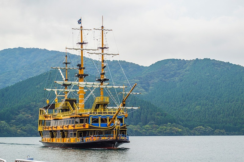 Crossing Lake Ashi on a pirate ship!