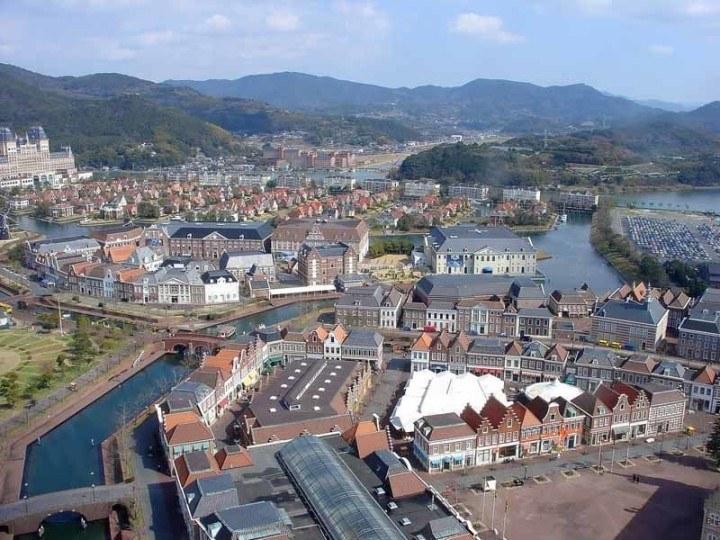 Aerial shot of the buildings of Huis Ten Bosch amusement park