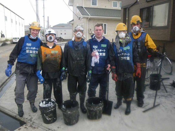 Tom and his team shovel sludge in Ishinomaki, 3 months on