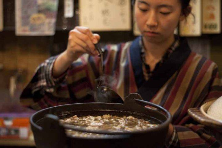 It's perfectly polite to pick up your bowl in Japan