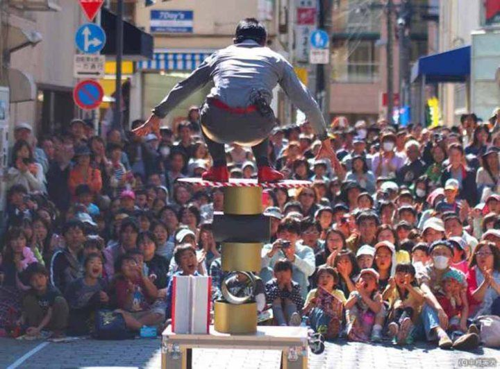 Street performer in Koenji