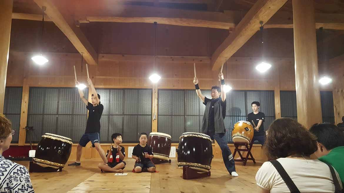 Tsumago's local drummers