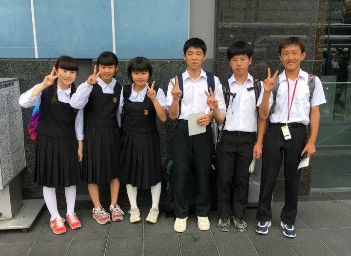 Schoolchildren are eager to practice their English