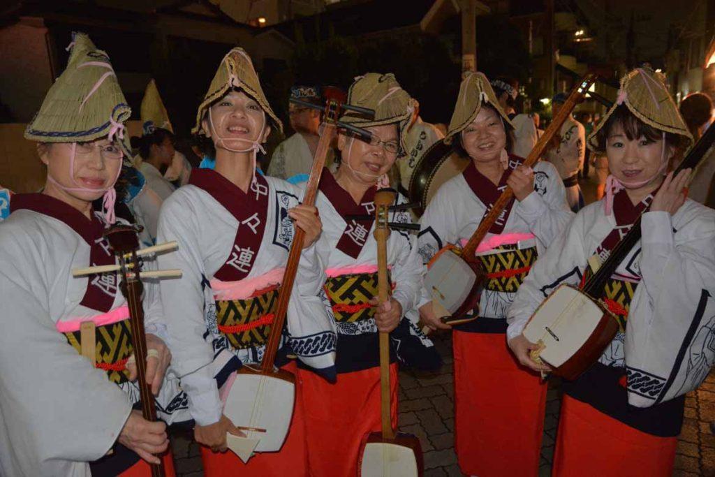 A shamisen troupe