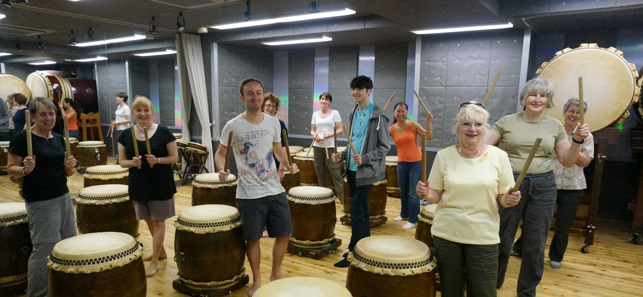 Taiko drumming lesson