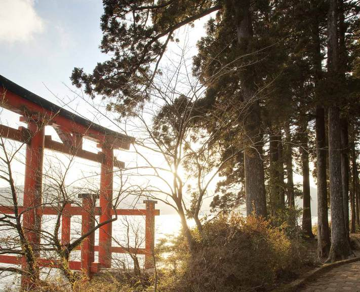 From ultra-modern Tokyo to the ancient capital of Kyoto via the hot springs of Hakone, this is a classic first-timer's trip to Japan.